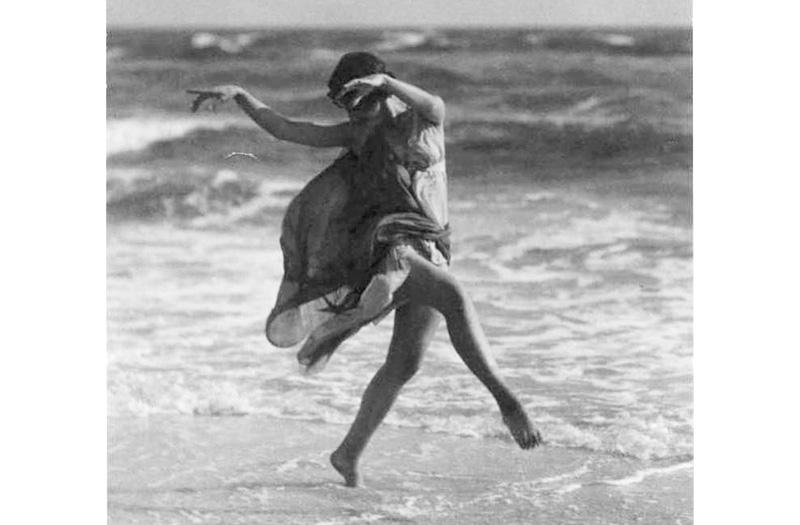 Isadora Duncan - Photo Arnold Genthe - Public domain